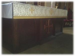 altar_table